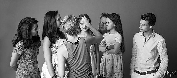 Manjit Jari shoots Family Portraits. Backstagephoto