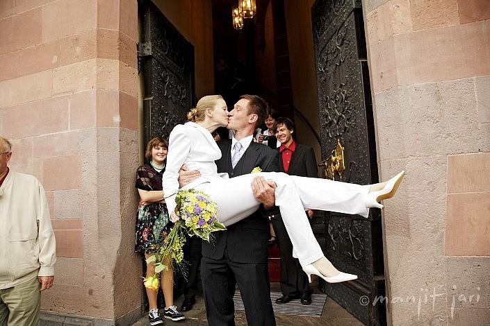 Fotograf Manjit Jari shootet eine Hochzeit am Römer in Frankfurt Main