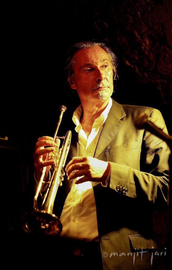 Der Fotograf manjit Jari fotografiert Jazz Musiker aus Leidenschaft.