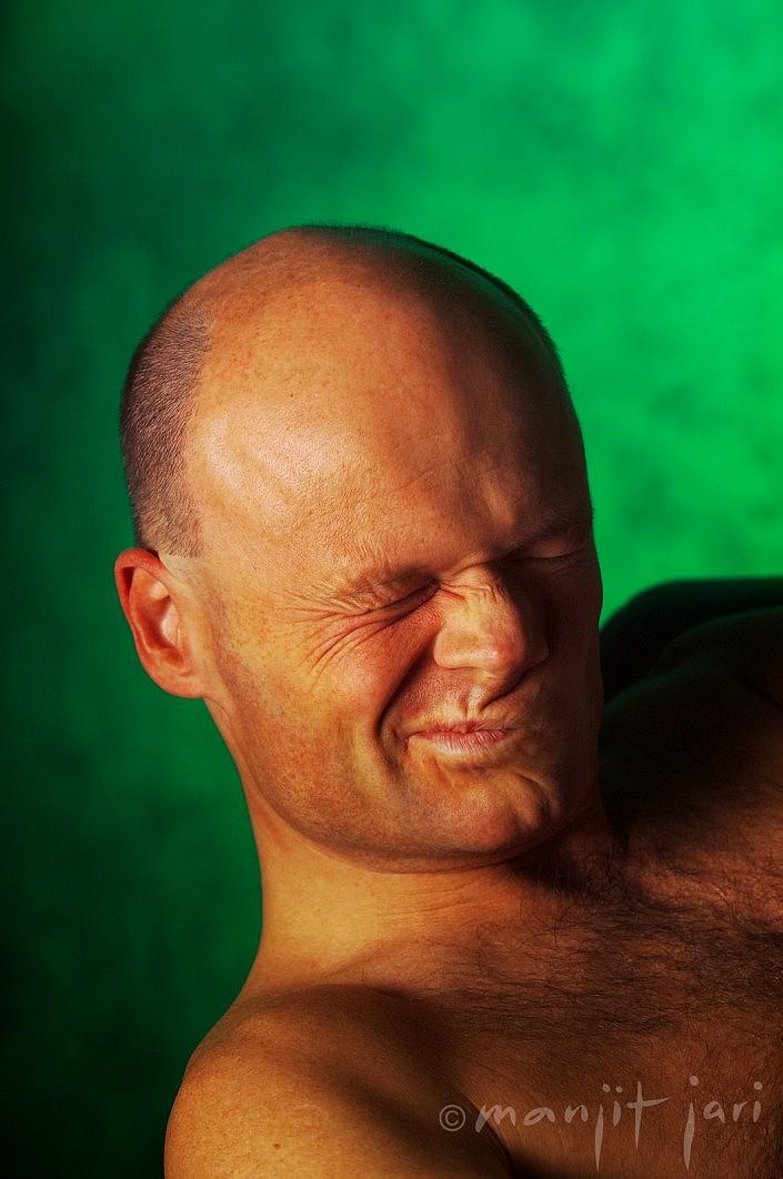 Ein ausdrucksstarkes Männerportrait vom Fotodesigner Manjit Jari.
