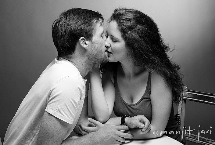 Küsse für das Liebespaar. Manjit Jari als PortraitFotograf