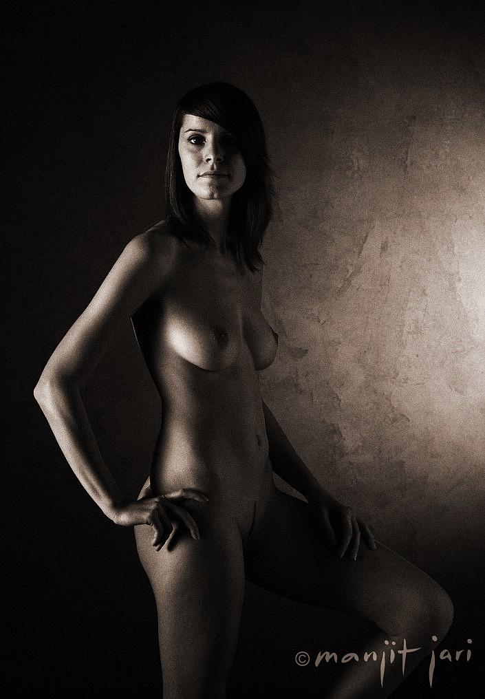 Erotisches Frauenportrait von Manjit Jari in seinem Fotoatelier in Frankfurt am Main
