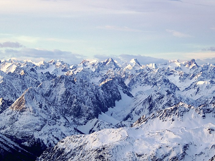 Alpenglühen auf der Zugspitze am 6./7. Jan. 2018