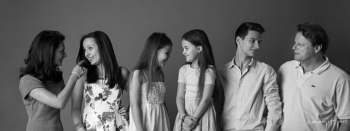 Manjit Jari shoots Family Portraits